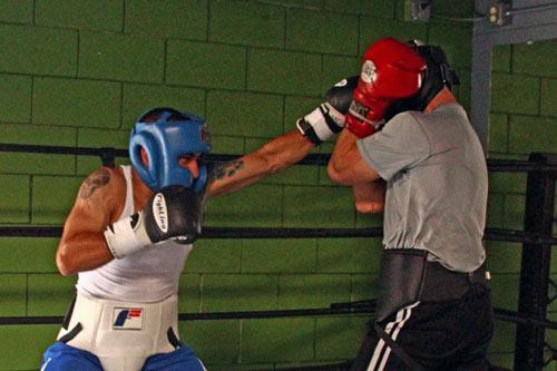 лучшая боксерская комбинация джеб-джеб-кросс