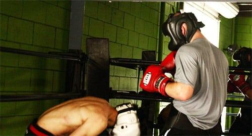 Как Победить Боксера Постоянно Уходящего Вниз